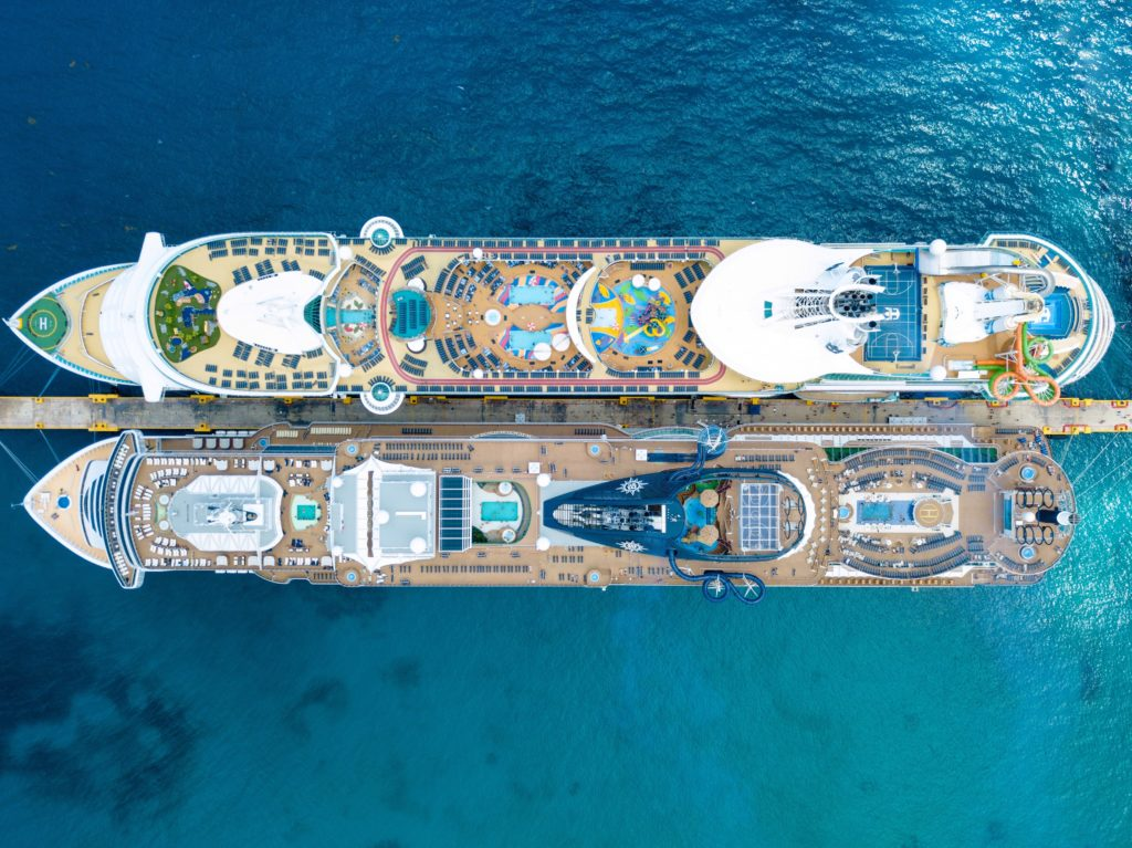 Two paralel Cruise ships from above